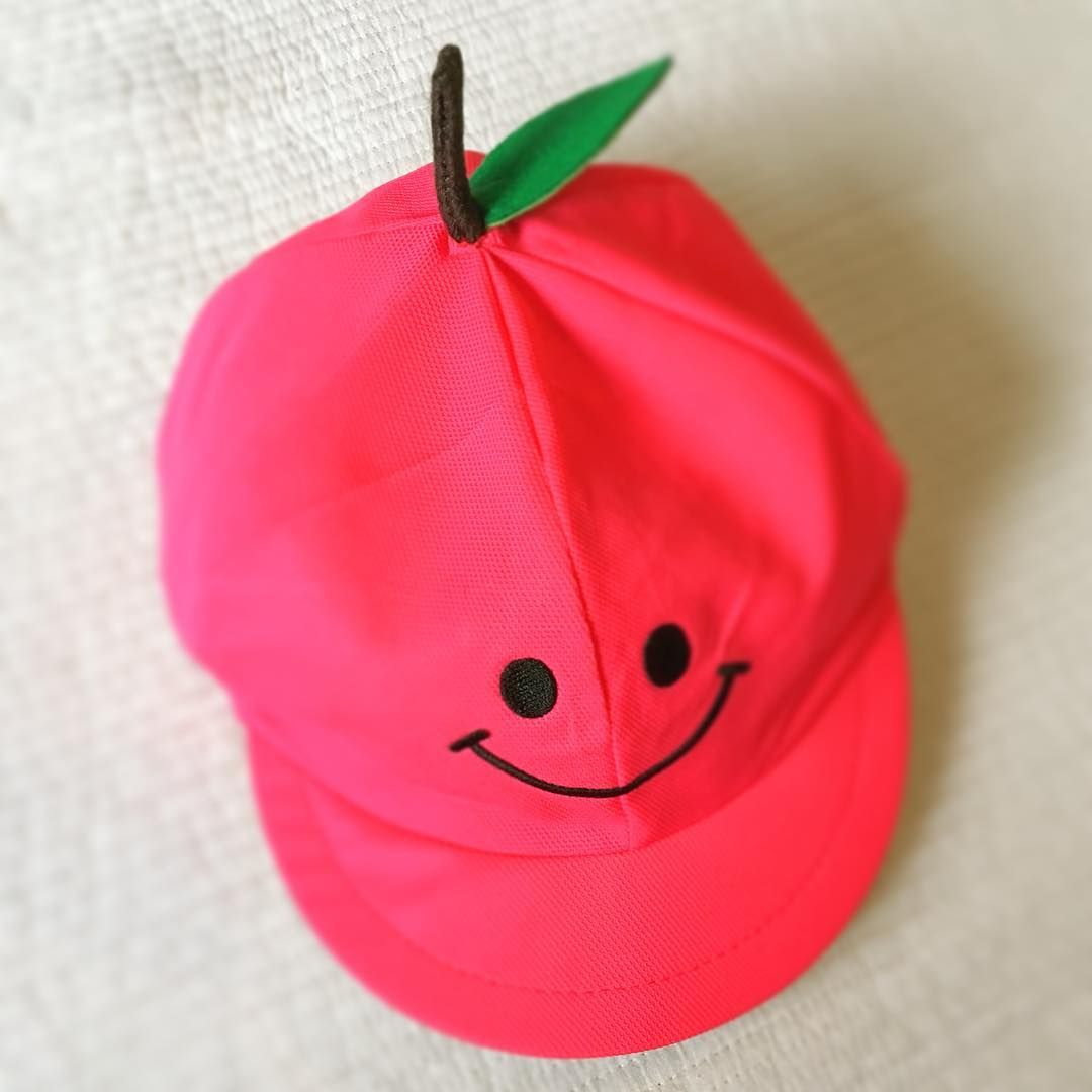 ママの腕の見せどころ 運動会にも カラー帽子デコのアイデア集