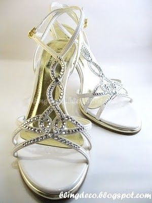 6a269fe679a3 Bling Deco  How to add bling to your bridal shoe