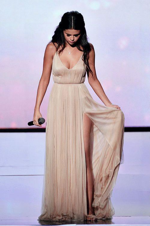OMG! Selena Gomez quiere desligarse definitvamente de Justin Bieber