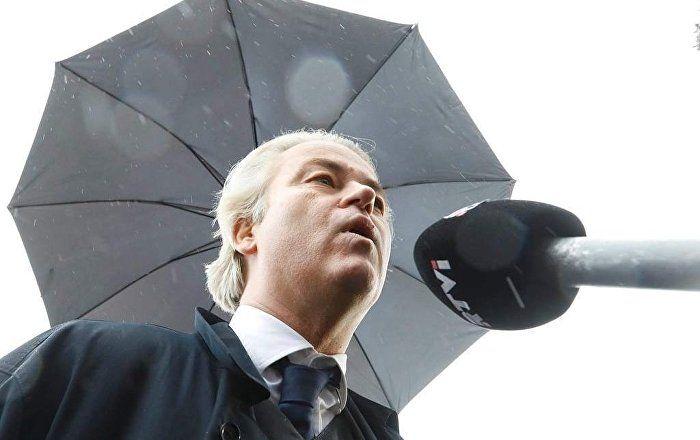Sputnik Türkiye ///  Hollanda'da polis müdahalesi olurken Wilders: Meydanı temizleyin