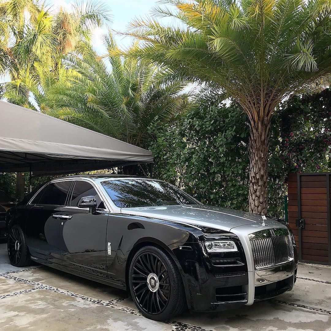 Image may contain car and outdoor Luxury cars rolls