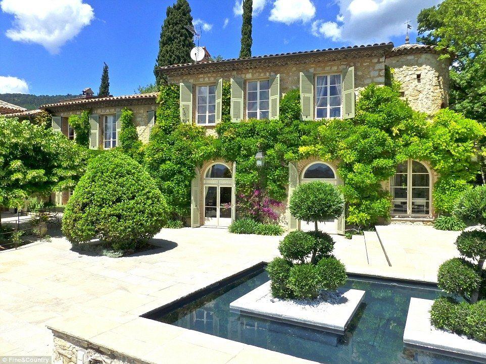 Brigitte bardot puts her 14 bedroom cote dazur villa on the market