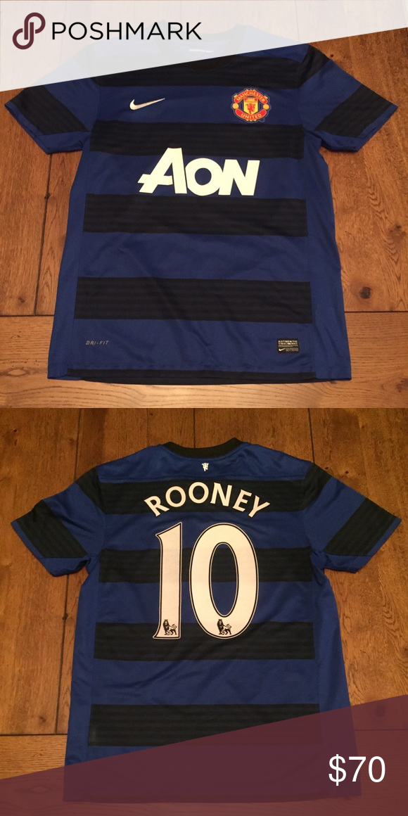 Nike Man United Wayne Rooney Jersey Men s size medium in perfect condition! Nike  Shirts Tees - Short Sleeve 34e92b540