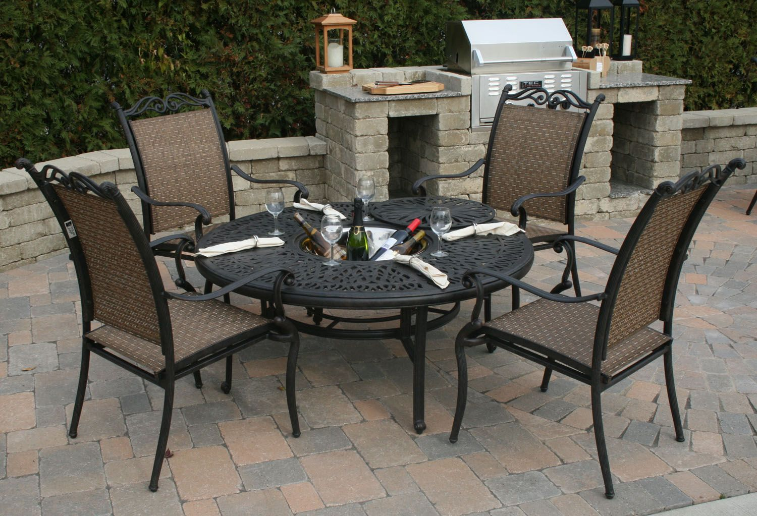 Trends and different styles of patio furniture