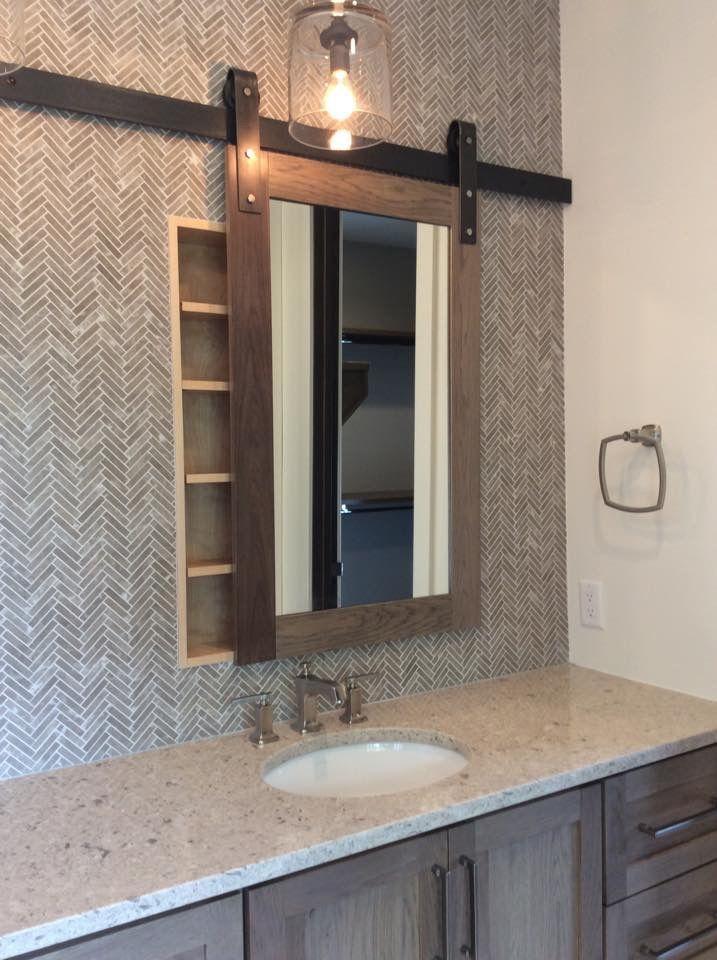 Decoración de baño Diseño industrial Espejo con puerta corrediza