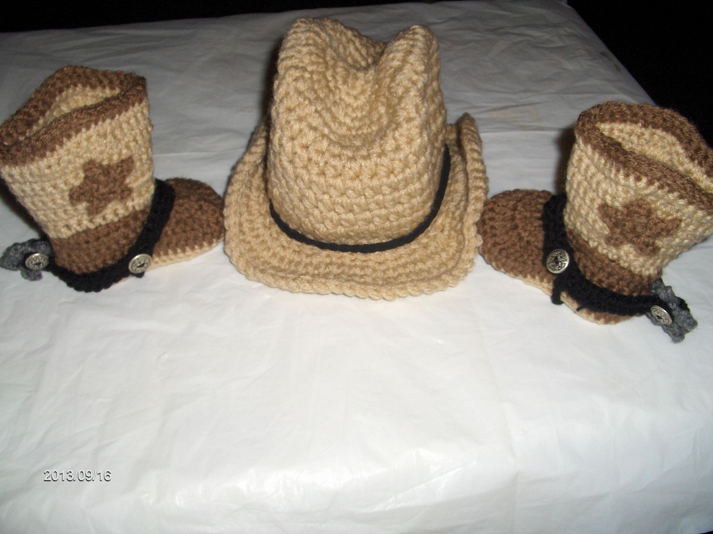 crochet cowboy hat and boots with spurs | Cowgirl/boy outfits ...