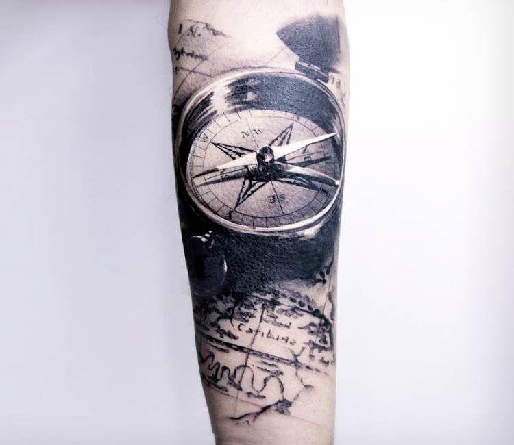 Tatuaje Carlos compass tattoocarlos breakone   best tattoos   pinterest