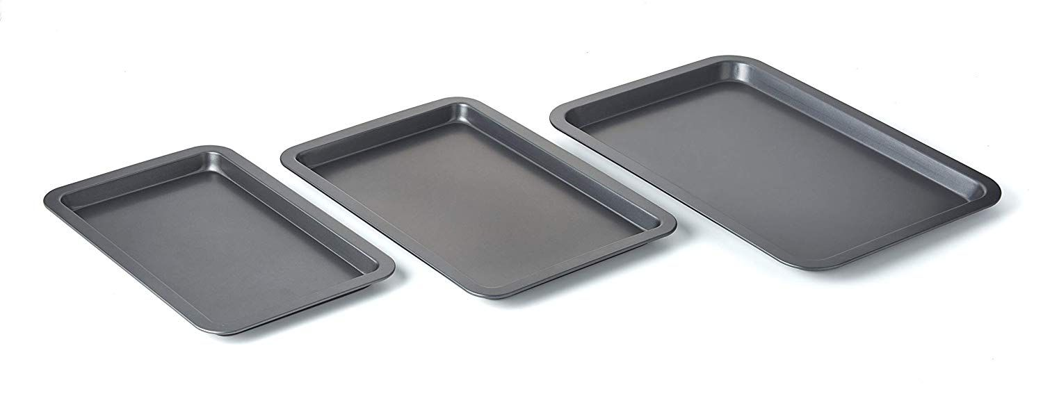Betty Crockerset Of 3 Non Stick Cookie And Baking Sheets Includes Large Medium And Small Cookie Sheet Non Stick Coated S Baking Sheets Cookie Sheet Baking