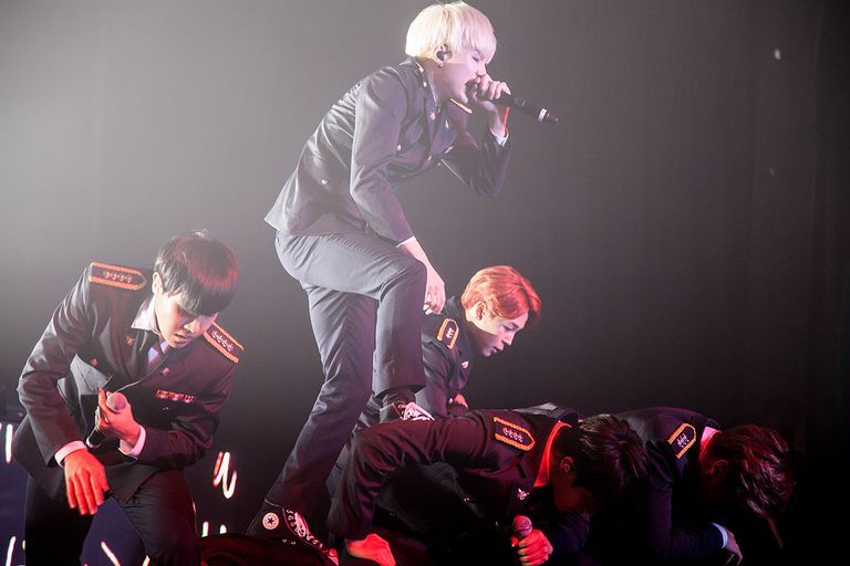 [Press] BTS' '2015 BTS LIVE TRILOGY IN USA Episode II. The Red Bullet' in NYC! 150716