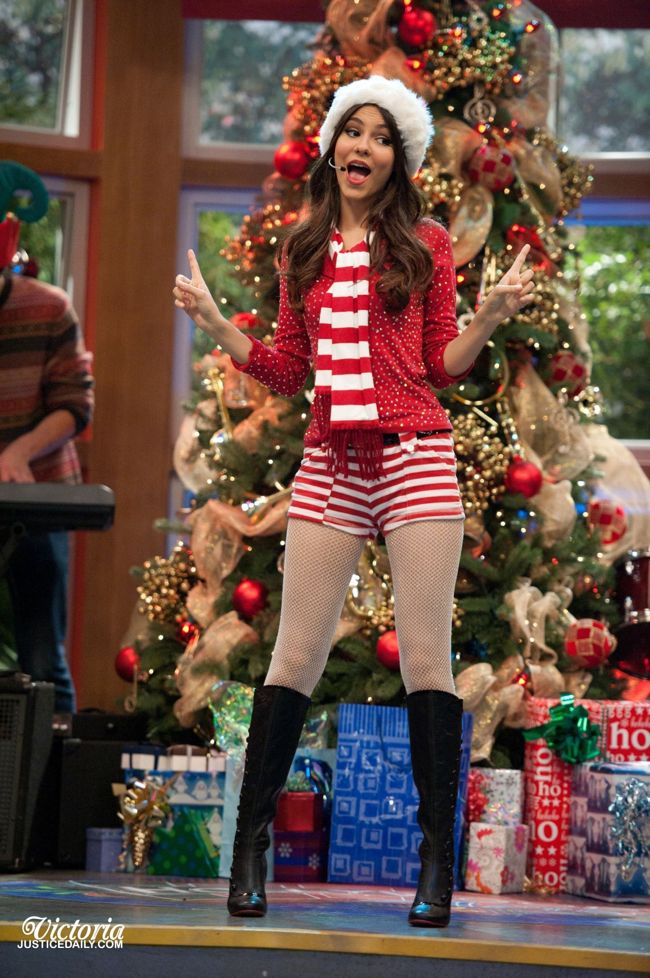 2020 Tori Vega Christmas Music Pin by Johan_C3 on Victoria justice style in 2020 | Victoria