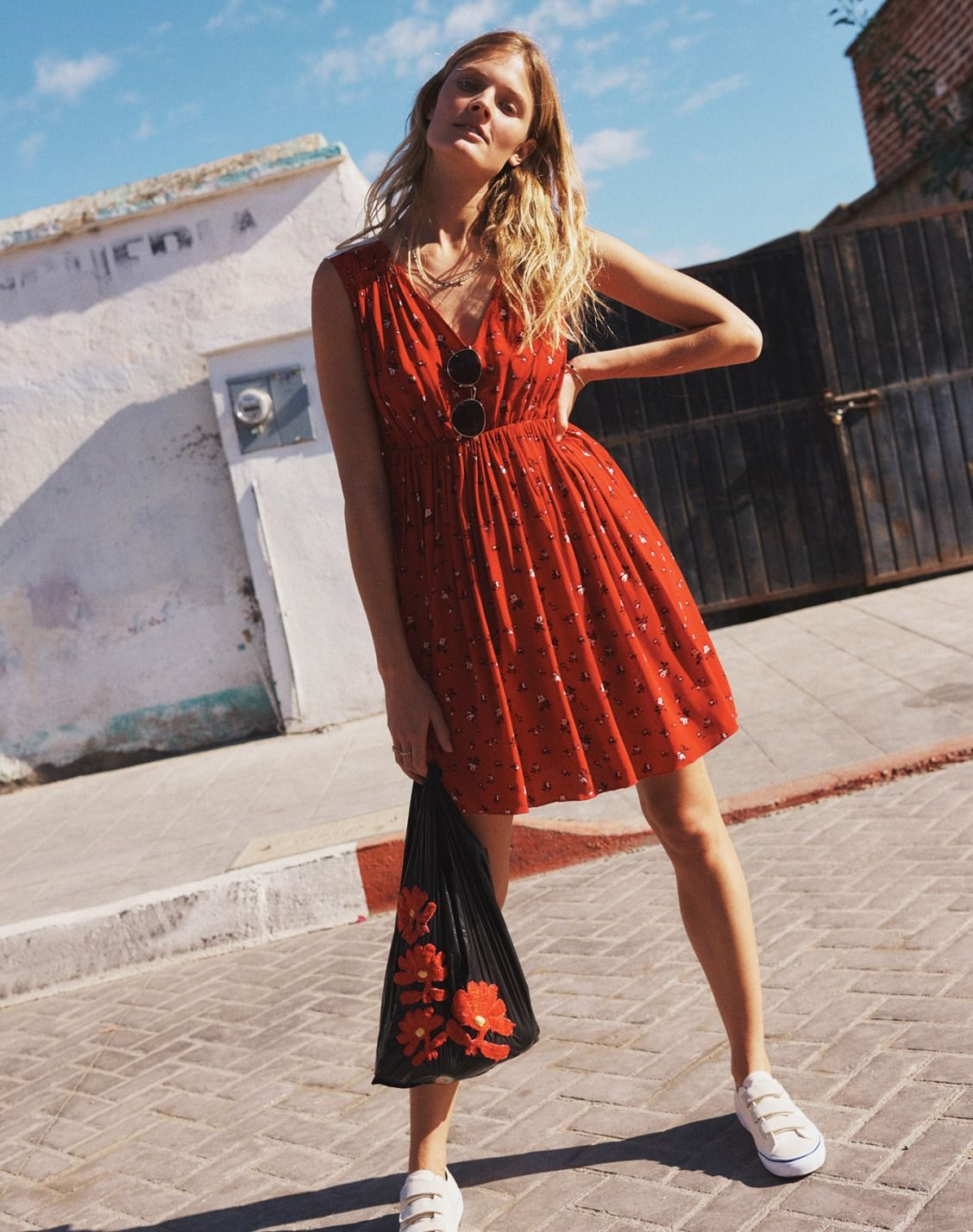 5487ce0bca madewell magnolia tie-back dress worn with the fest aviator sunglasses +  vans® sneakers.