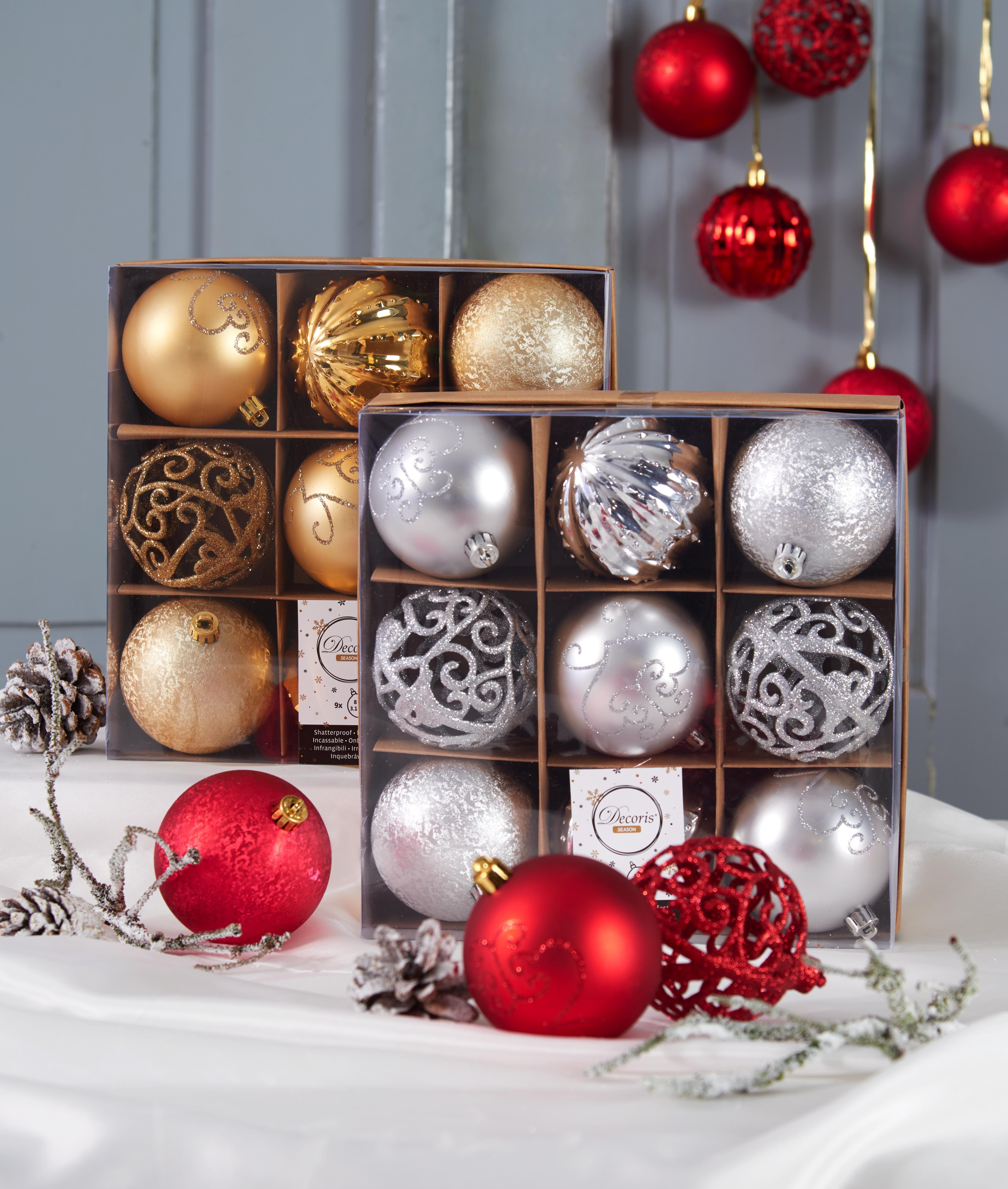 Weihnachtsdeko Rot Silber.Weihnachtskugeln Christbaumschmuck In Silber Rot Und Gold