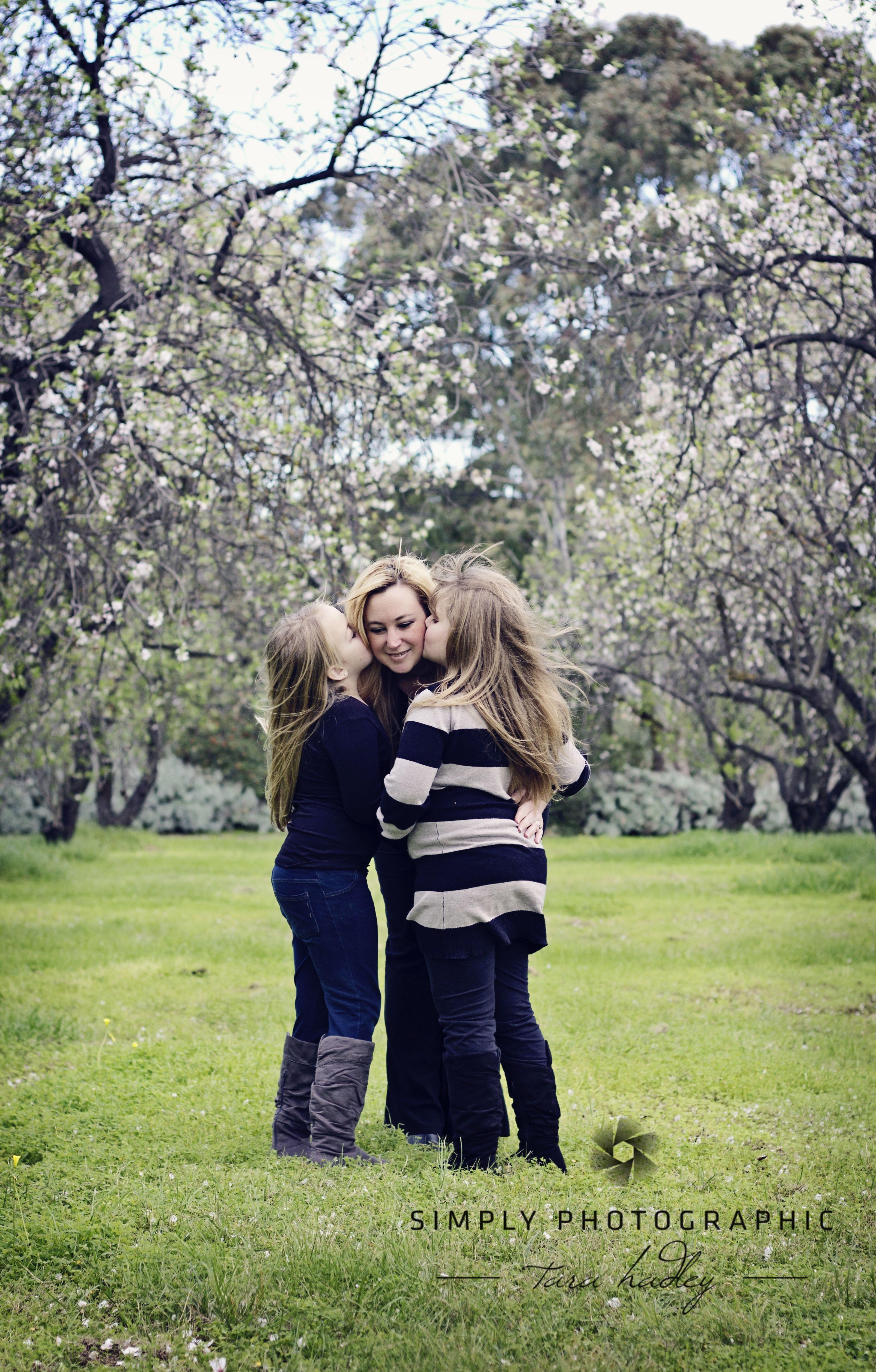 Mummy with her girls <3 #blossoms #adelaidephotographer #babieschildrenfamily https://www.facebook.com/simplyphotographic2012?ref=hl