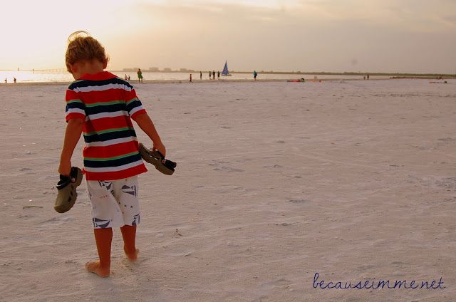 Boy's cargo shorts pattern