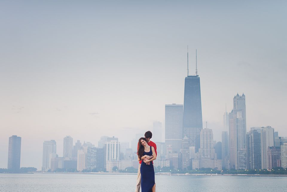 Artistic Engagement Session in Chicago – Claudia & Andrew
