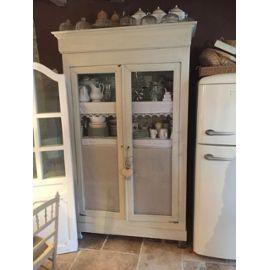 armoire ancienne bois massif repeinte avec grillage vendu en l 39 etat avec etagere et dentelle meble. Black Bedroom Furniture Sets. Home Design Ideas