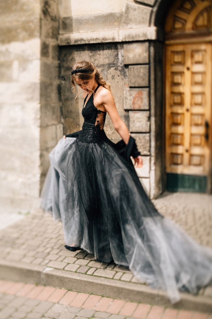 Black wedding dress for a dark, moody + romantic wedding styled shoot | fabmood.com