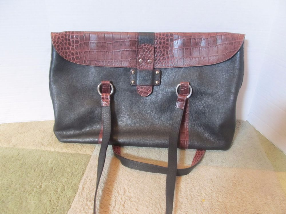 ISANTI WOMEN'S PURSE - MADE IN ITALY #ISANTI #ShoulderBag