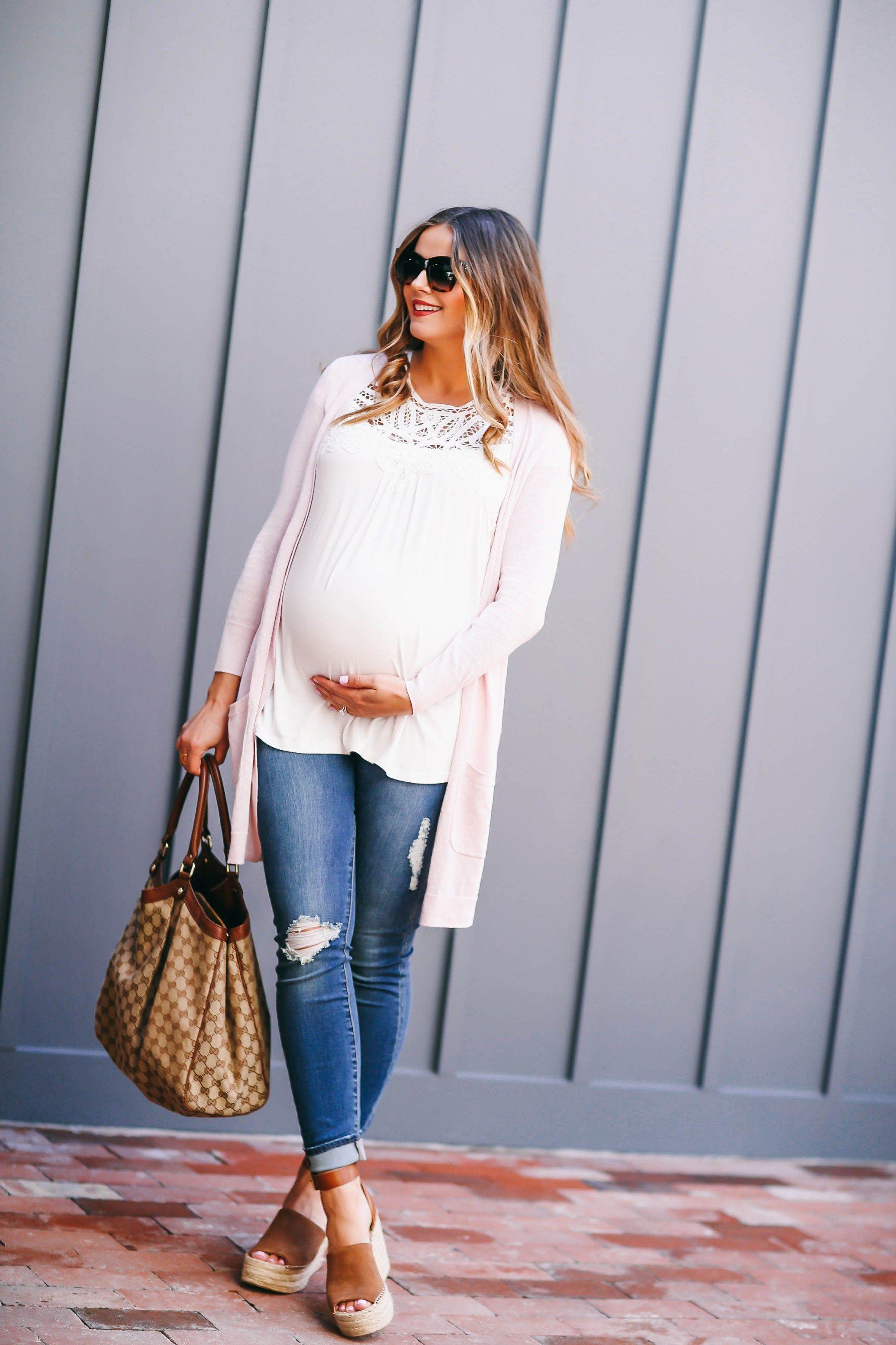 3975febeb2ca2 #BumpStyle // Blush Pink Cardi & The Best Affordable Maternity Jeans |  BondGirlGlam.com