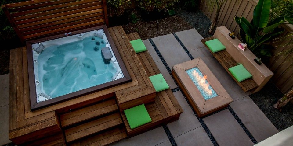 A Custom Spa Surround Increases The Amount Of Seating Around The Area And  Offers Easy Access Into The Jacuzzi. Clean Lines Are Tie Together This Spa  ...