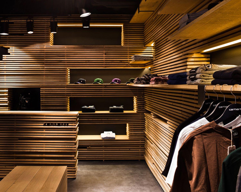 Galer a de tienda carhartt barcelona francesc rif for Diseno de interiores almacenes de ropa