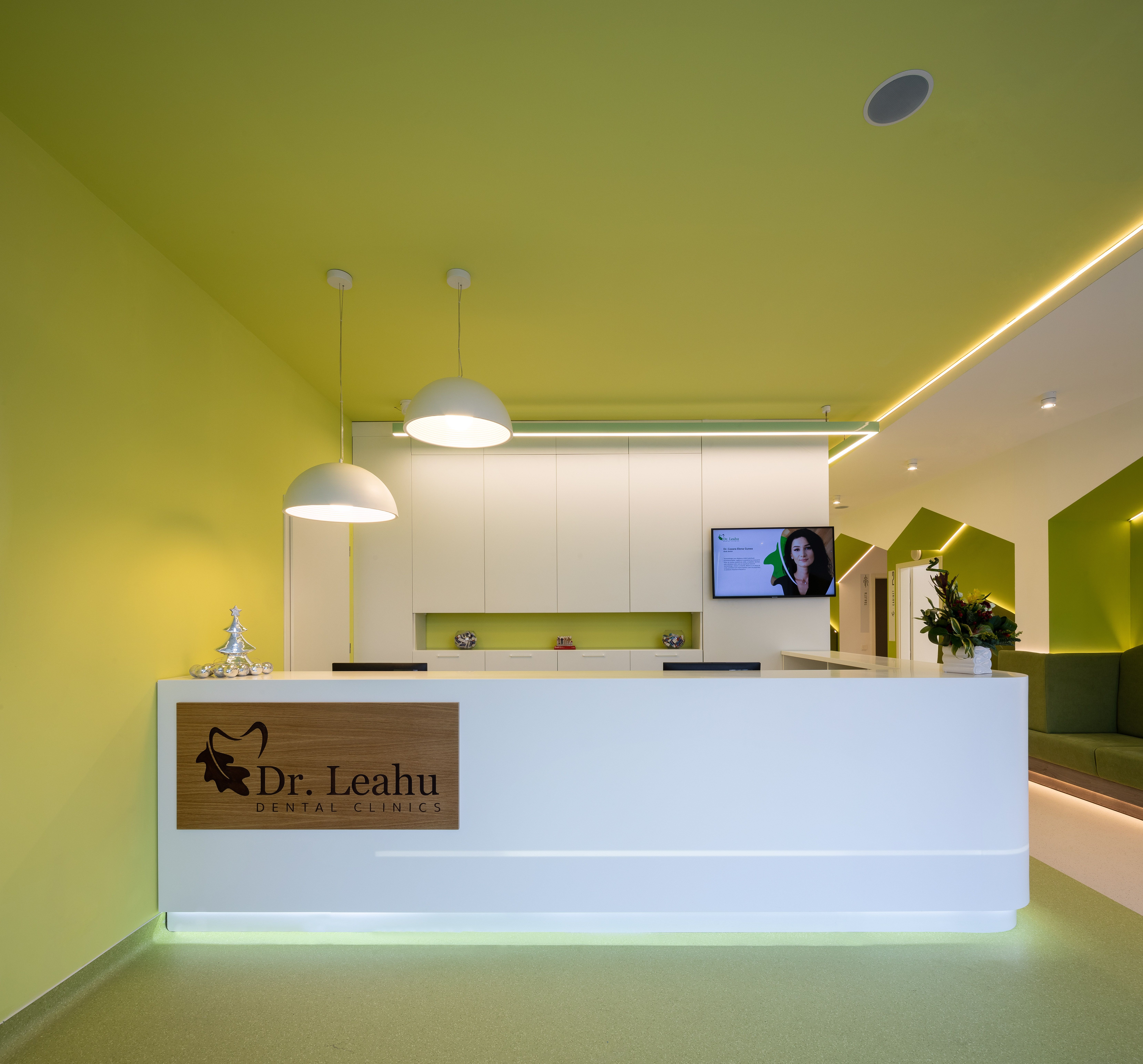 The Hygienic Properties Of Hi Macs For A Dental Clinic S Reception Area In 2020 Dental Clinic Reception Areas Dental