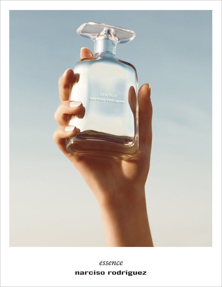 musc current obsession... Narciso Rodriguez Essence Essence was developed by Alberto Morillas (Firmenich), as a powdery-musky fragrance based on aromas of powdery iris, rose petals, benzoin balm surrounded with modern accords of musk.