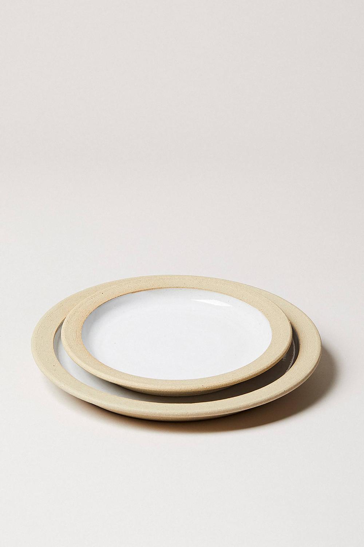 Farmhouse Pottery Silo Plates Anthropologie Farmhouse Pottery Pottery Plates