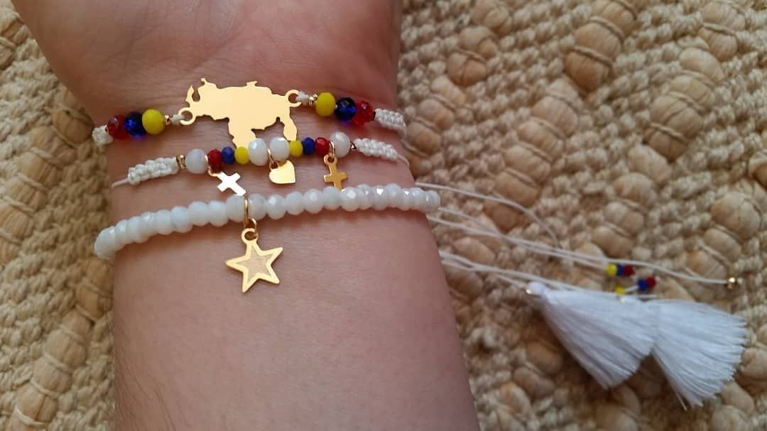Trio de pulseras!!! Elige tu combinación...   Pulsera#venezuela#trio#hechoamano#bañodeoro#moda#amor#love#bisuteria#cadena#cuero#talentovenezolano#vitrina#hadmade#hechoamano#hechoconamor#metalwork#jewelry#fashion#gem#gemstonejewelry#gemstore#trendy#womensfashion#chic#cool#cute#accesory#stylish  Inf... 0412 3435463  @mariavenero_        Trendy Trend Beauty Fashion