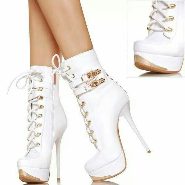 Aww!lovely white gold boots | Heels