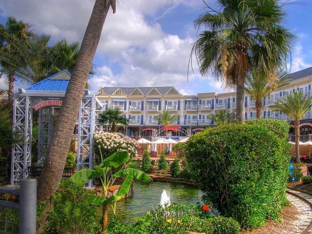 Gazebo And Kemah Boardwalk Hotel