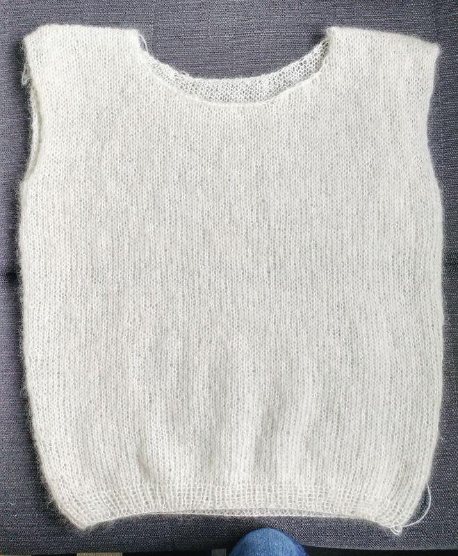 Finir de tricoter un pull après l'hiver - Dans la bulle de MissLilou   Tricot pull, Tricot et ...