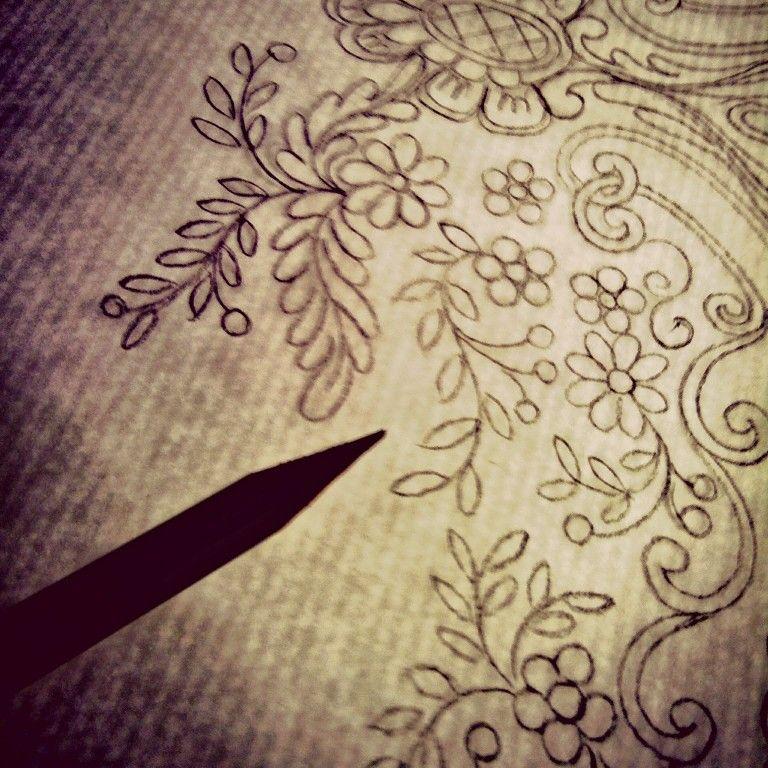 Boceto para bordado #dibujo #diseñotextil #fallera #indumentariatradicional #indumentarista #falla #fallas #embroidery #ricamo #textildesign #textilprint #bordado #indumentariaeclesiastica #cofradia #bolillos