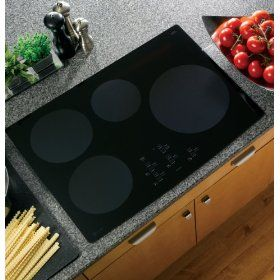 GE Profile CleanDesign : PHP900DMBB 30 Induction Cooktop, 4 Induction Elements - Black