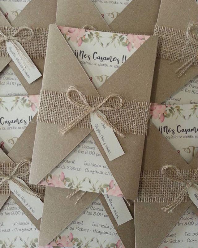 tarjeta de matrimonio boda estilo rustica vintage, con yute y moño, estilo floral y material kraf is part of Wedding invitations -