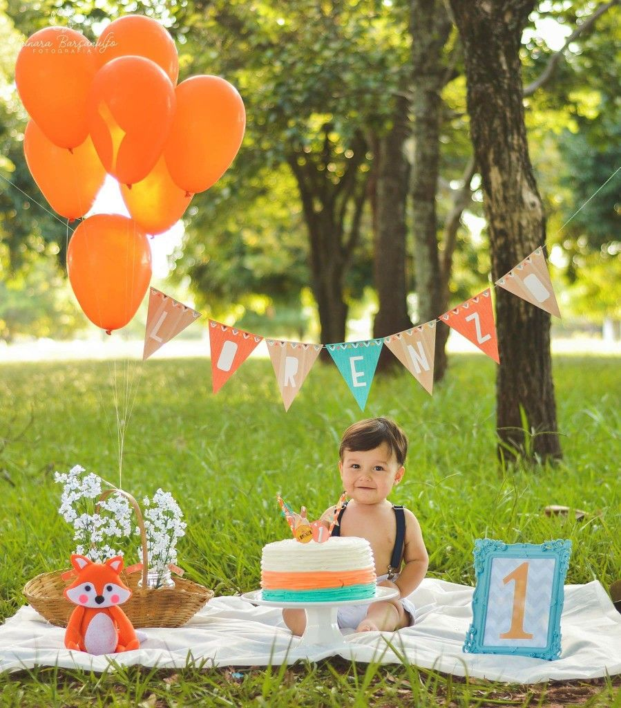 Simple décor 1st boy birthday, 1st birthday photoshoot
