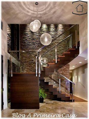 escadas-madeira-lustres