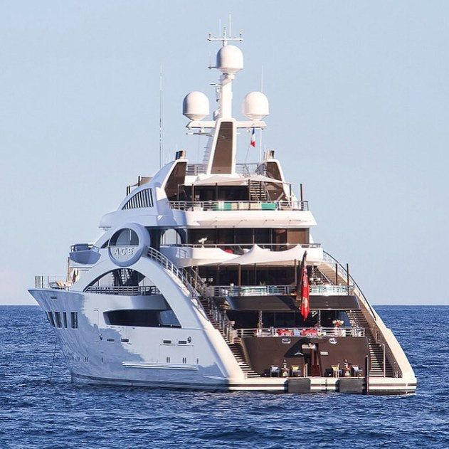 Lovely Super Yacht! Follow @highclass_luxuries for more! - Photo by @raphael_belly_photography