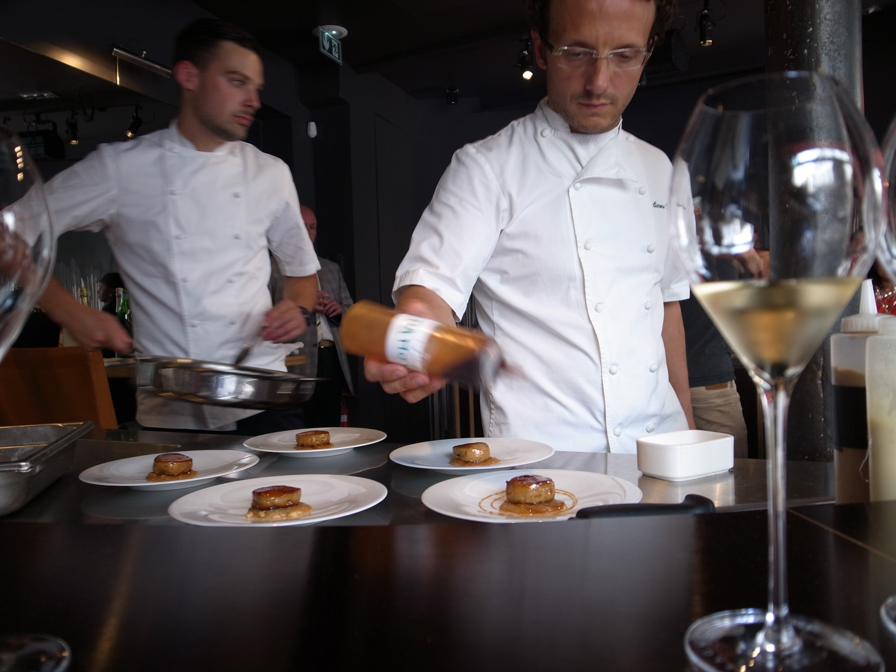 On ne le répètera jamais assez : le champagne est un excellent compagnon de table. La preuve par 3 avec trois... http://fb.me/1PGjfymLJ