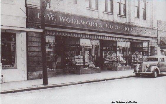 Biloxi. 1940. South Howard Avenue just west of Lemeuse Street