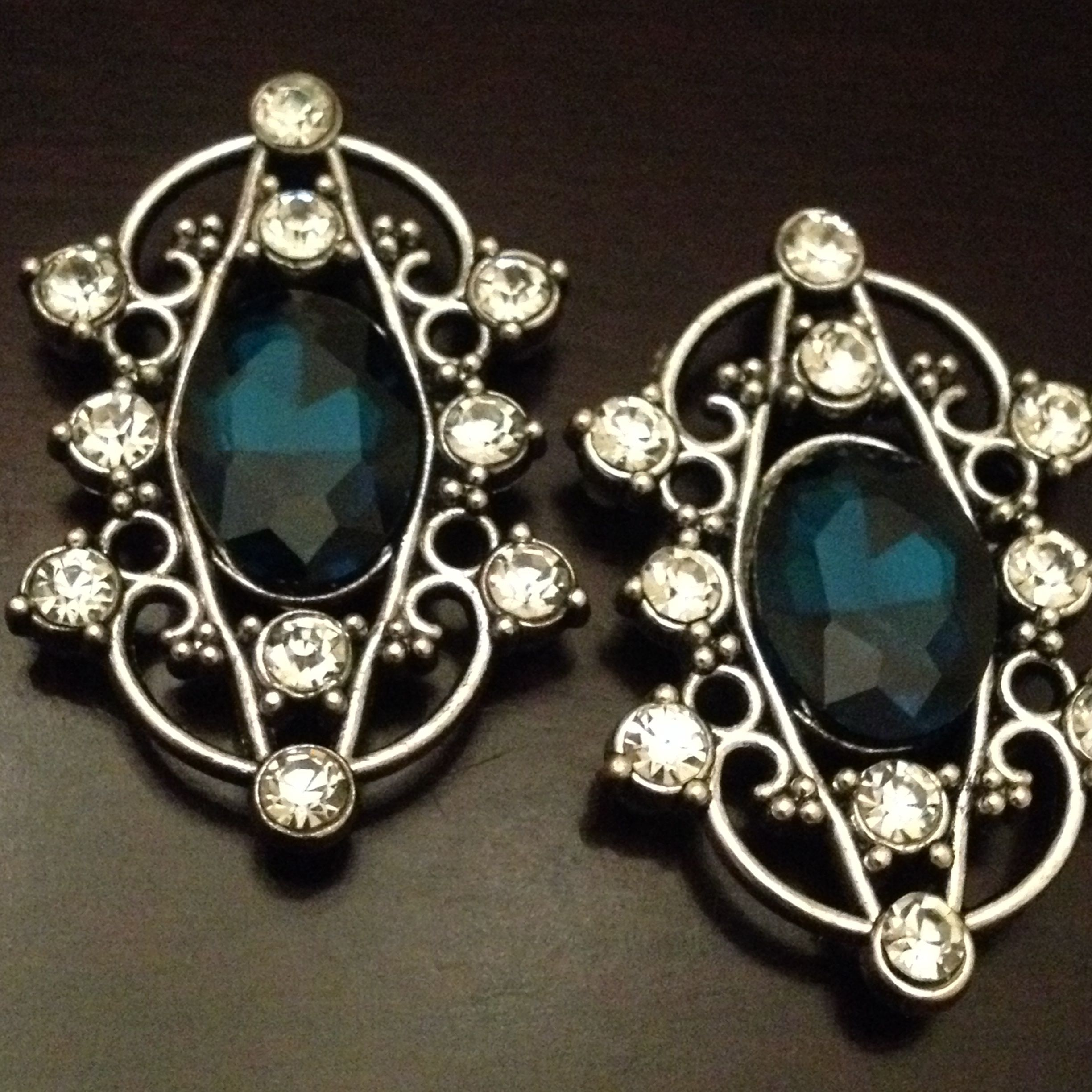 """Blue and White Rhinestone Crystal Long Oval gauges plugs earrings  All plugs are made with black, acrylic, backs and have rubber o-rings. If you would like a custom backing, please message me.    These come in a variety of sizes:    0g 00g 1/2""""  Please choose when ordering.    All plugs/gauges are sold in pairs.     Please visit Strick9Designs.storenvy.com"""