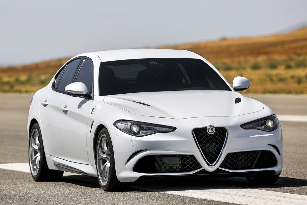 Alfa Romeo Giulia Bianca