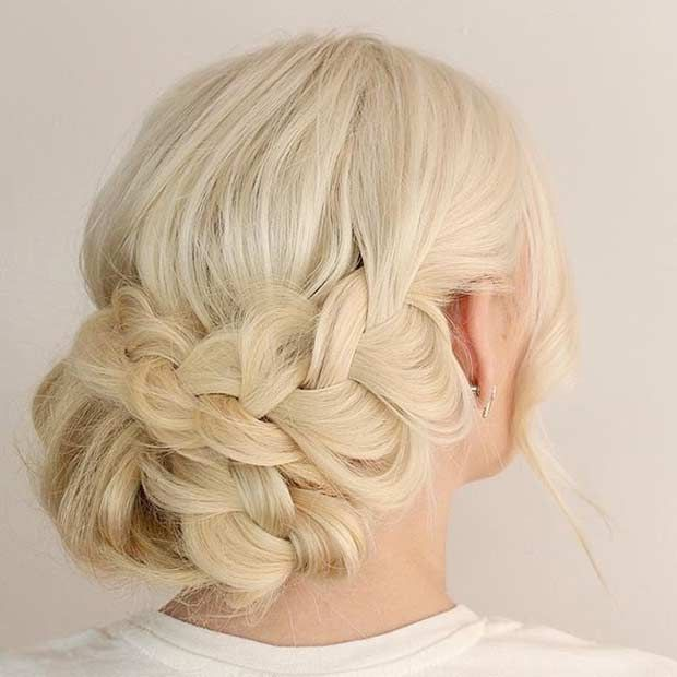 35 gorgeous updos for bridesmaids we can't wait to try | peinados