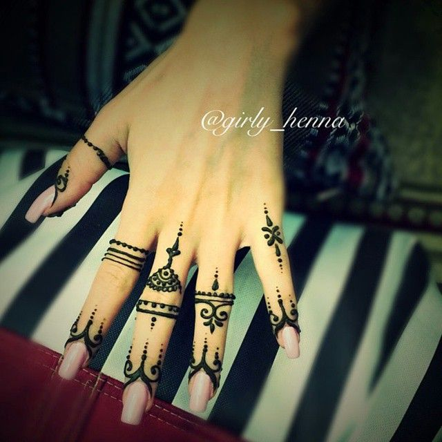 Instagram Photo By Girly Henna The Queen S Henna Iconosquare