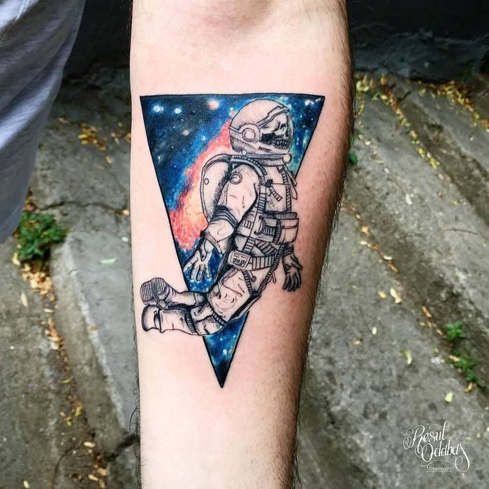 30 cool astronaut tattoo designs for space lovers astronaut tattoo astronauts and skeletons. Black Bedroom Furniture Sets. Home Design Ideas
