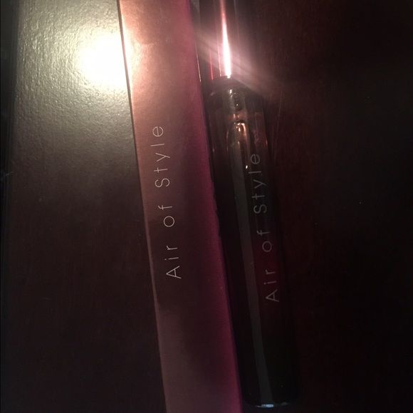 Brand new MAC fragrance Air of style rollerball MAC fragrance Air of style rollerball MAC Cosmetics Other