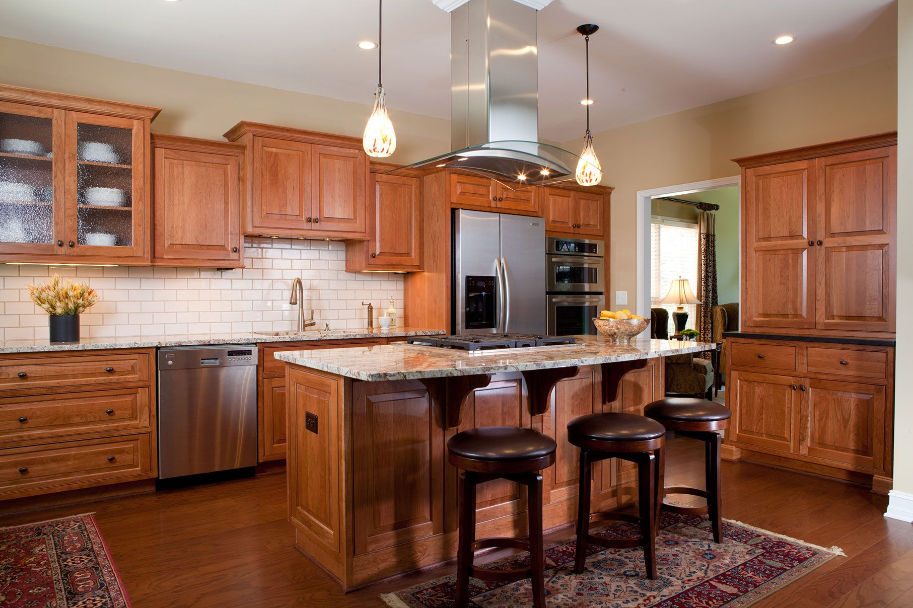 Shilohcabinetry Com Gallery 2 New Kitchen Cabinets Green Kitchen Designs Cherry Cabinets Kitchen