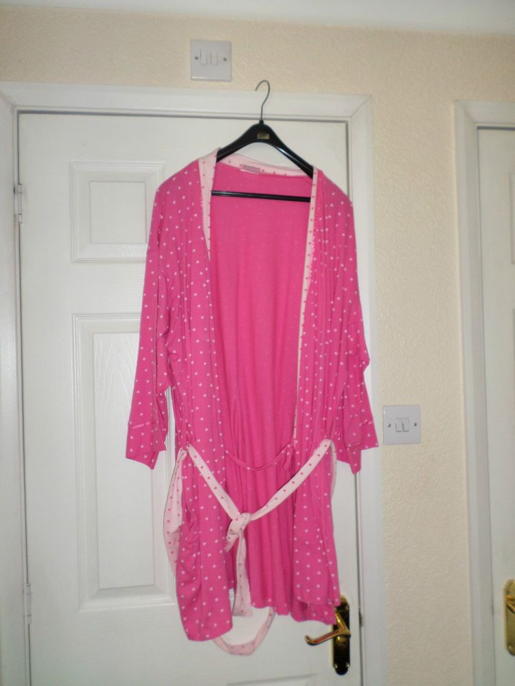 Womens/Ladies pretty secrets pink heart short dressing gown size 24 ...