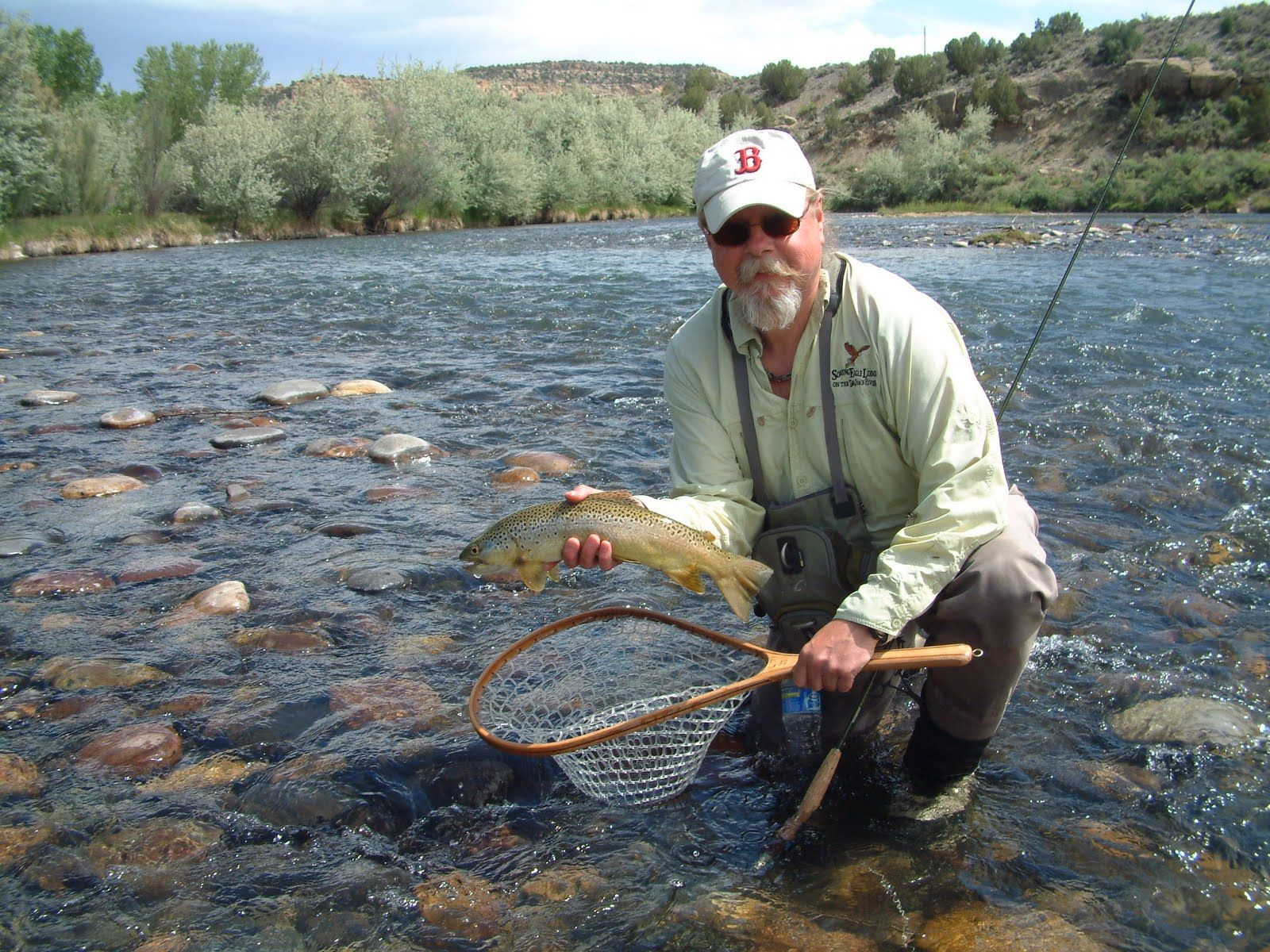Larry Johnson Whom I Do Not Know And A San Juan River Brown Trout New Mexico Fly Fishing Fishing Friends Brown Trout