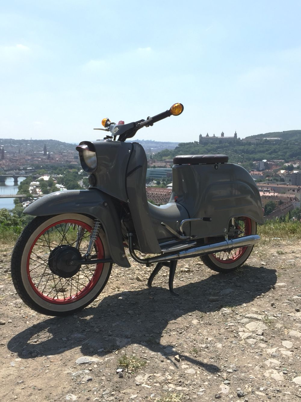 die besten 25 schwalbe moped ideen auf pinterest motorroller simson moped und schwalbe. Black Bedroom Furniture Sets. Home Design Ideas